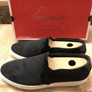 Brand new, never worn Sketchers loafers